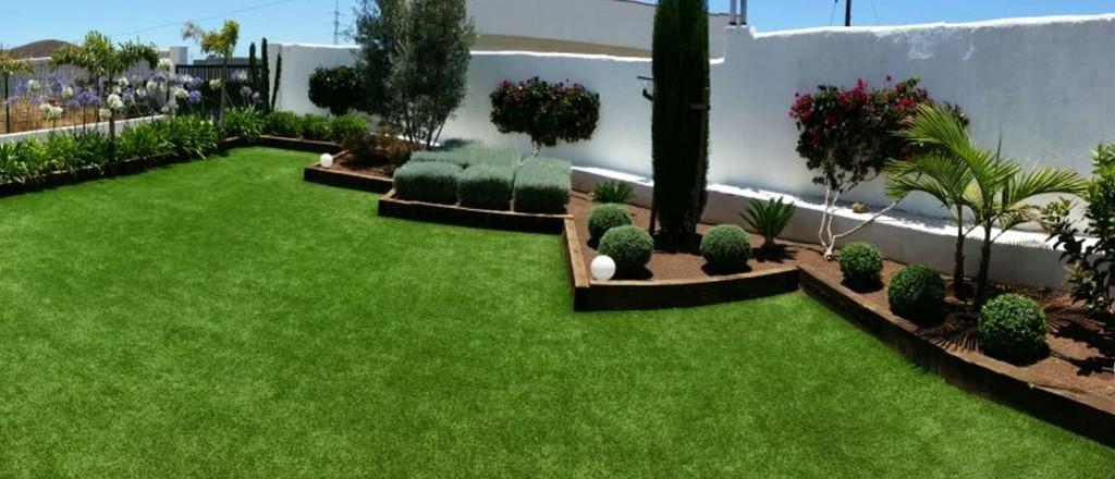 Jardín césped artificial