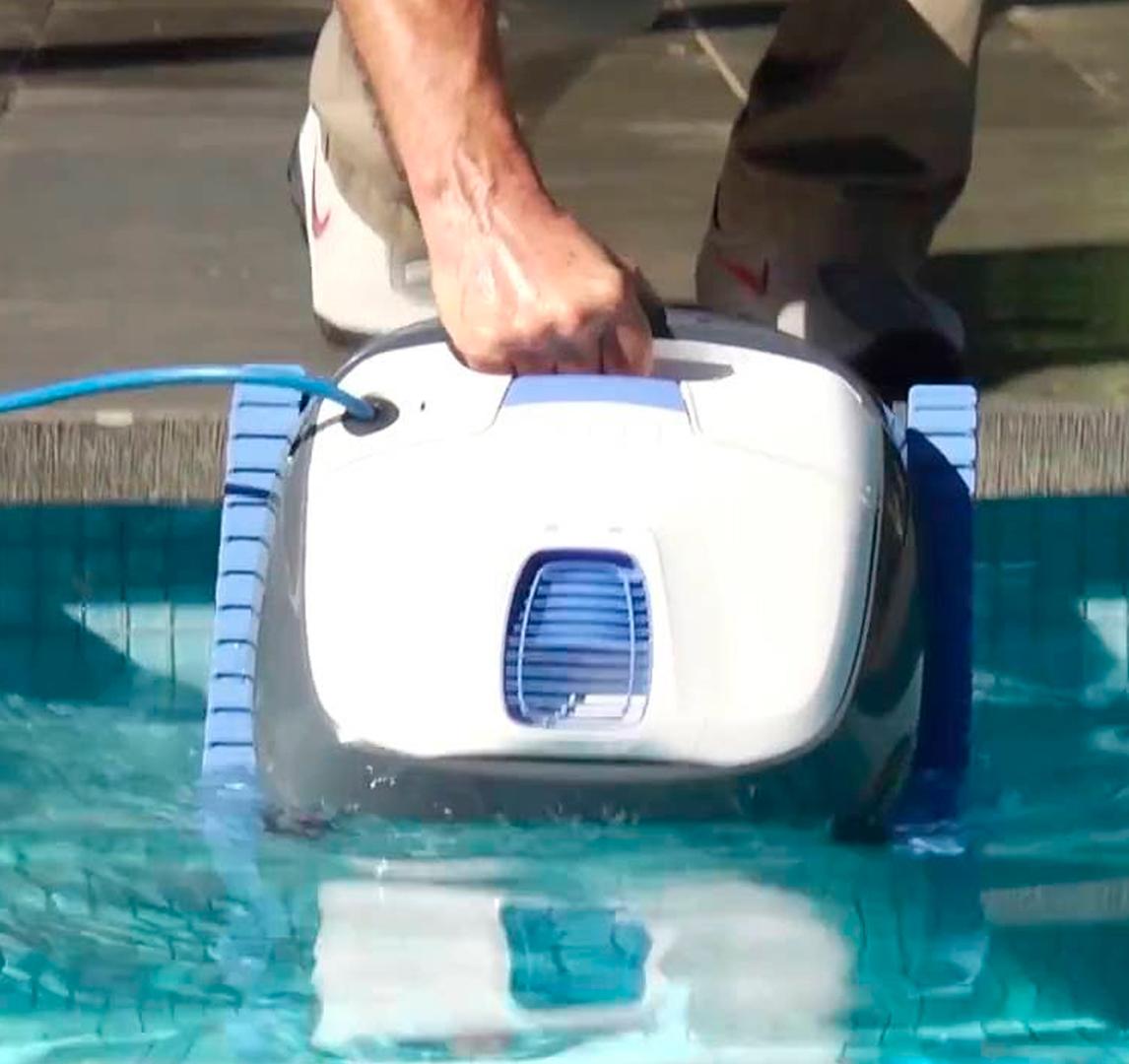 Guardando robot de piscina Dolphin S100