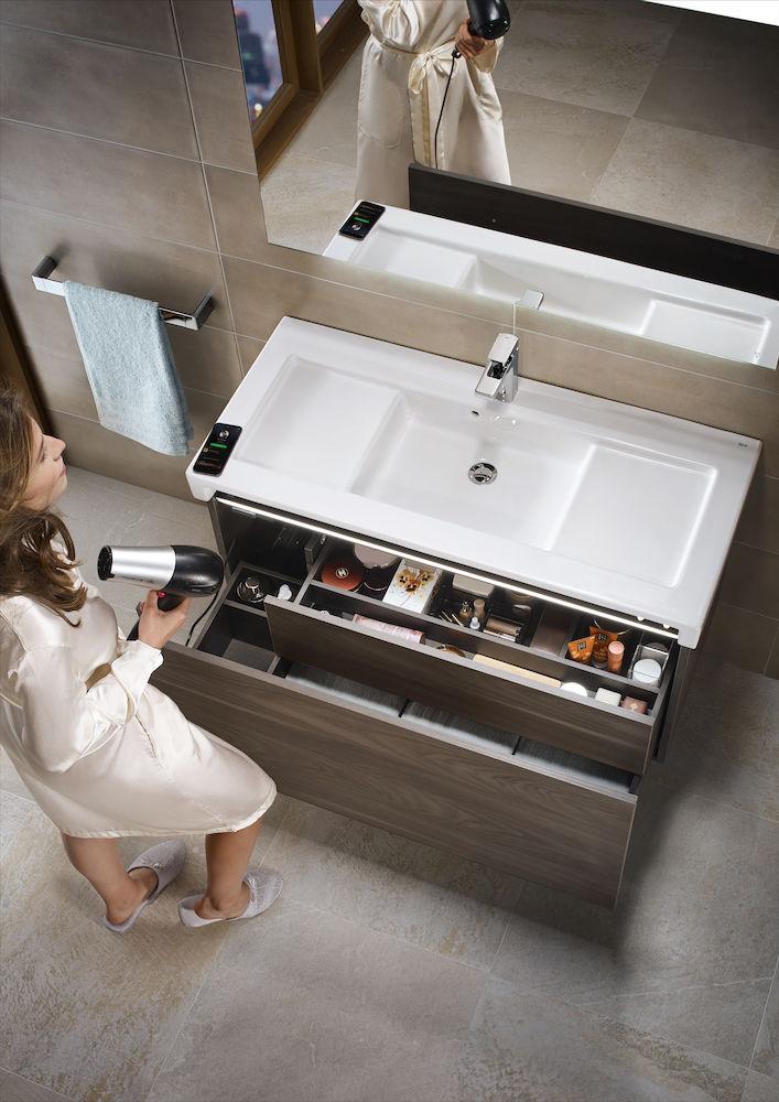 Mueble de baño Stratum con luces incorporadas